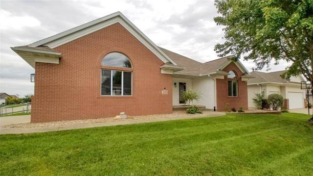 310 34th Avenue, Marion, IA 52302 (MLS #1907379) :: The Graf Home Selling Team