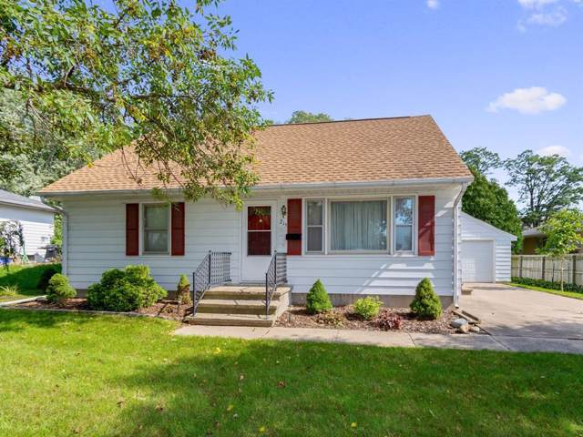215 Ridge Court, Marion, IA 52302 (MLS #1907434) :: The Graf Home Selling Team