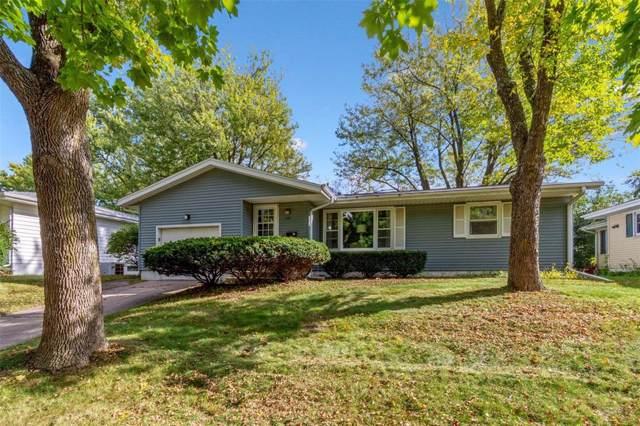 1400 36th Street SE, Cedar Rapids, IA 52403 (MLS #1907459) :: The Graf Home Selling Team