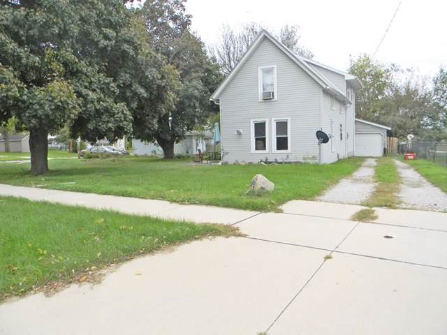 102 Green Street, Center Point, IA 52213 (MLS #1907574) :: The Graf Home Selling Team