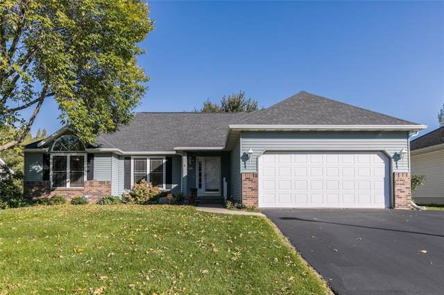 7310 Fieldstone Drive NW, Cedar Rapids, IA 52405 (MLS #1907614) :: The Graf Home Selling Team