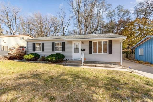 1220 38th Street SE, Cedar Rapids, IA 52403 (MLS #1908175) :: The Graf Home Selling Team