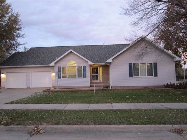 4 Ironwood Circle, Iowa City, IA 52240 (MLS #1908194) :: The Graf Home Selling Team
