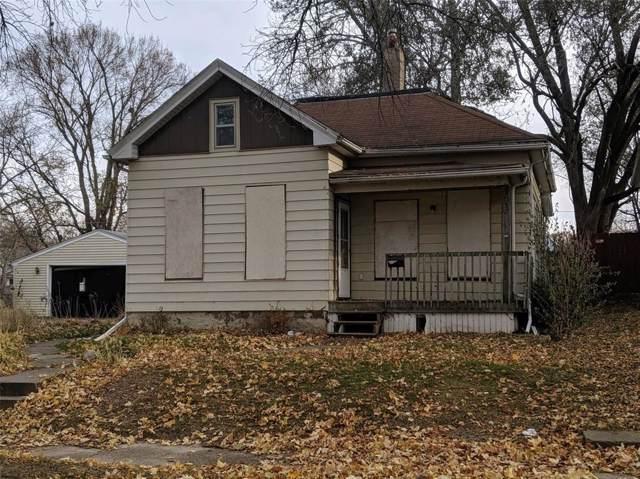 1032 9th Street SE, Cedar Rapids, IA 52401 (MLS #1908228) :: The Graf Home Selling Team