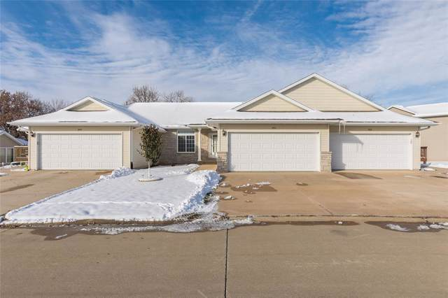 3402 Stoneview Circle SW, Cedar Rapids, IA 52404 (MLS #1908247) :: The Graf Home Selling Team