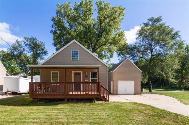 3107 Emerald Avenue SE, Cedar Rapids, IA 52403 (MLS #1908304) :: The Graf Home Selling Team