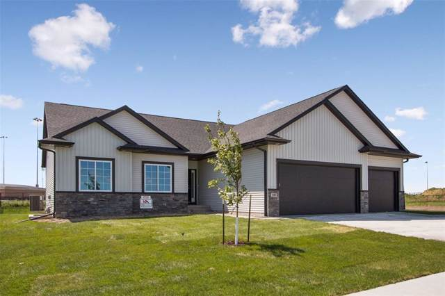 1335 E Tartan Drive, North Liberty, IA 52317 (MLS #1908314) :: The Graf Home Selling Team