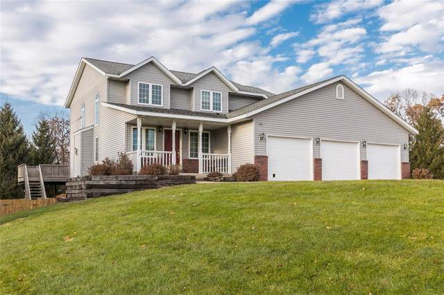 1409 Goldfinch Court NE, Swisher, IA 52338 (MLS #1908361) :: The Graf Home Selling Team