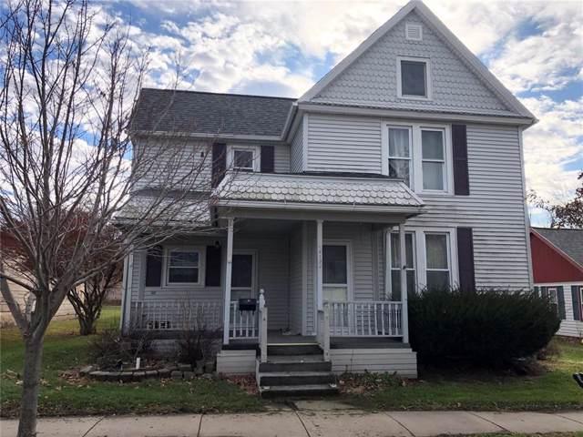 412 8th Street E, Vinton, IA 52349 (MLS #1908454) :: The Graf Home Selling Team