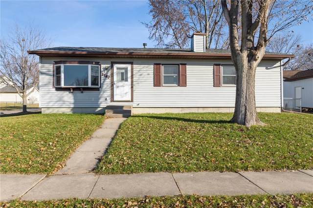 3147 3rd Street, Marion, IA 52302 (MLS #1908478) :: The Graf Home Selling Team