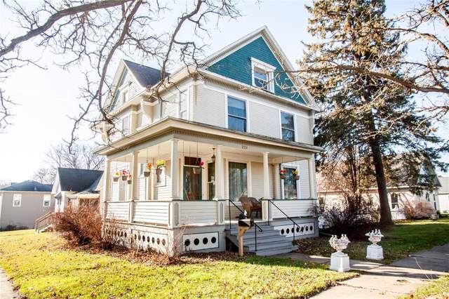 221 E 6th Street, Tipton, IA 52772 (MLS #1908626) :: The Graf Home Selling Team