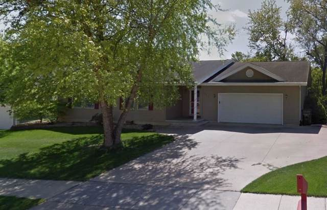 2809 Oak Crest Ct Nw, Cedar Rapids, IA 52405 (MLS #1908687) :: The Graf Home Selling Team