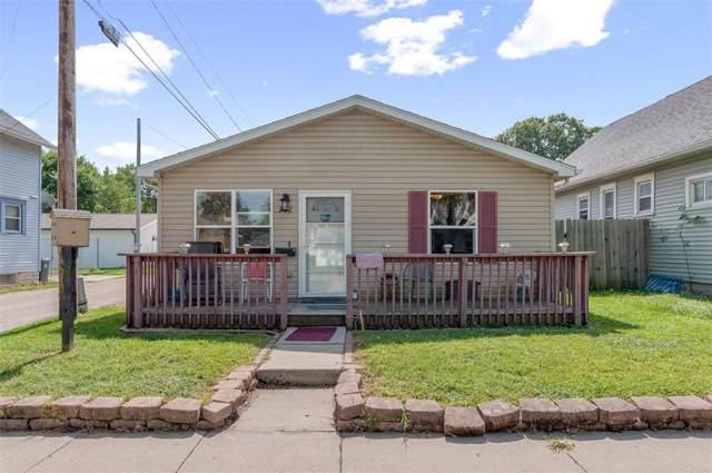 287 12th Avenue SW, Cedar Rapids, IA 52404 (MLS #1908719) :: The Graf Home Selling Team