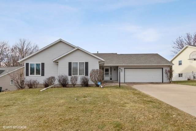 2624 30th Street SW, Cedar Rapids, IA 52404 (MLS #2000117) :: The Graf Home Selling Team