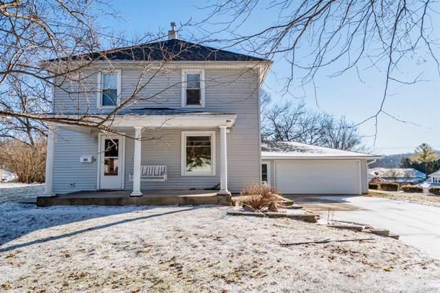 207 S Jones Street, Anamosa, IA 52205 (MLS #2000579) :: The Graf Home Selling Team