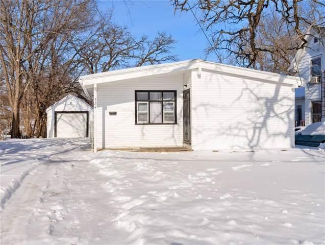 324 29th St Drive SE, Cedar Rapids, IA 52403 (MLS #2000581) :: The Graf Home Selling Team