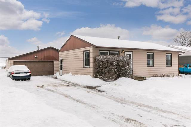 5442 D Avenue NW, Cedar Rapids, IA 52405 (MLS #2000599) :: The Graf Home Selling Team
