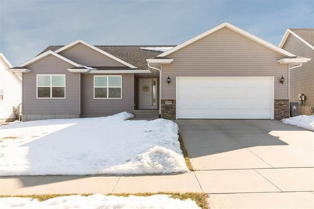 6219 Deer Stone Court SW, Cedar Rapids, IA 52404 (MLS #2001002) :: The Graf Home Selling Team