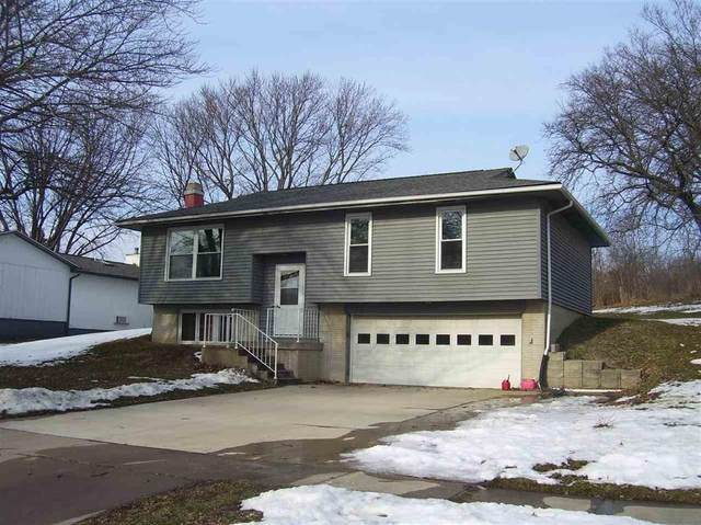 1607 13th Street, Coralville, IA 52241 (MLS #2001012) :: The Graf Home Selling Team