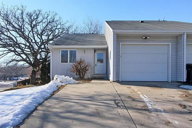 1998 Winterpark Place, Coralville, IA 52241 (MLS #2001070) :: The Graf Home Selling Team
