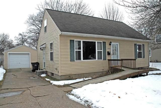 1501 9th Street NW, Cedar Rapids, IA 52405 (MLS #2001090) :: The Graf Home Selling Team
