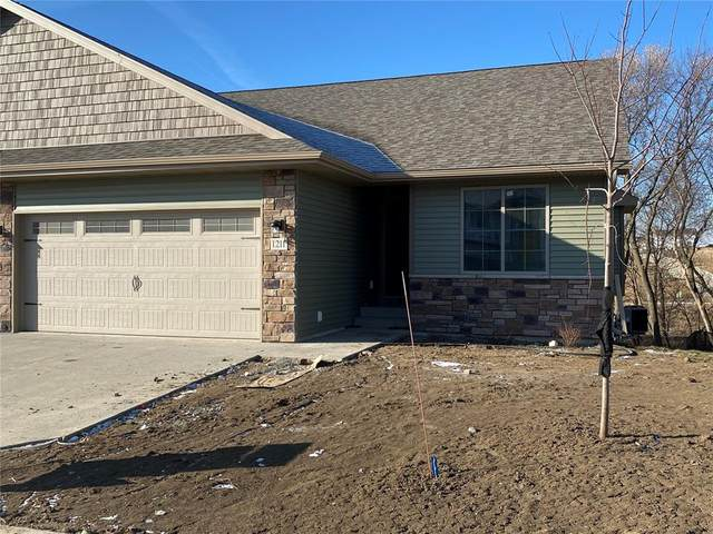 1109 Creekside Drive, Tiffin, IA 52340 (MLS #2001268) :: The Graf Home Selling Team