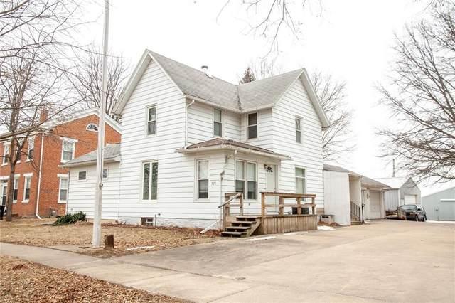 321 W 9th Street, Tipton, IA 52772 (MLS #2001283) :: The Graf Home Selling Team