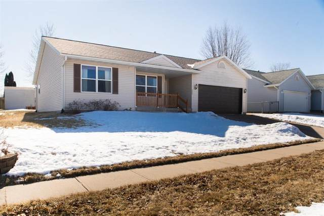 825 Maple Street, North Liberty, IA 52317 (MLS #2001325) :: The Graf Home Selling Team