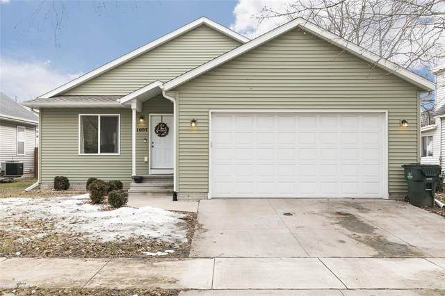 1007 3rd Street SW, Cedar Rapids, IA 52404 (MLS #2001398) :: The Graf Home Selling Team