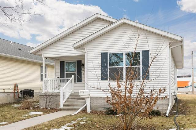 806 10th Street SW, Cedar Rapids, IA 52404 (MLS #2001400) :: The Graf Home Selling Team