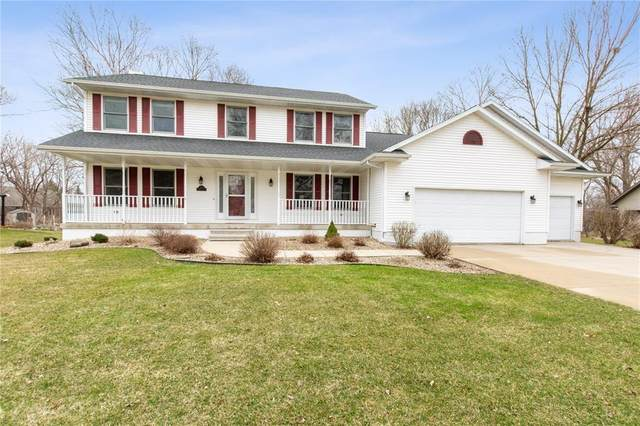 295 Woodland Court, Hiawatha, IA 52233 (MLS #2002198) :: The Graf Home Selling Team