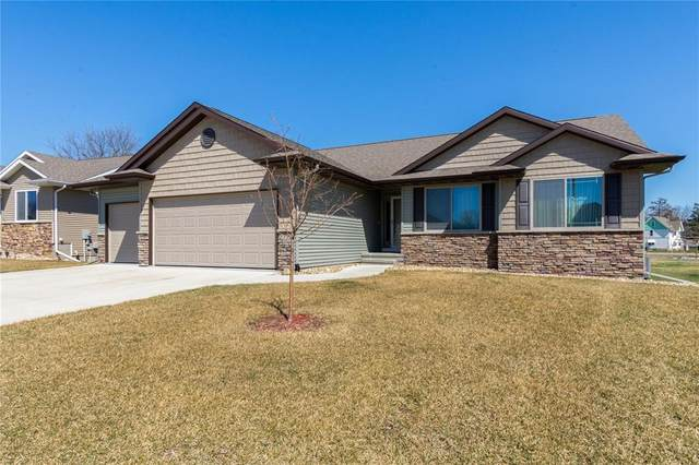2114 Snapdragon Circle SW, Cedar Rapids, IA 52404 (MLS #2002406) :: The Graf Home Selling Team