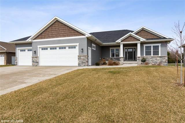 3040 Savannah Court, Hiawatha, IA 52233 (MLS #2002471) :: The Graf Home Selling Team