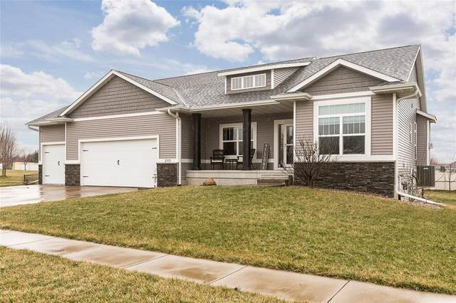 210 Creekview Court, Hiawatha, IA 52233 (MLS #2002475) :: The Graf Home Selling Team