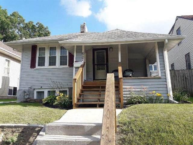 657 16th Avenue SW, Cedar Rapids, IA 52404 (MLS #2002498) :: The Graf Home Selling Team