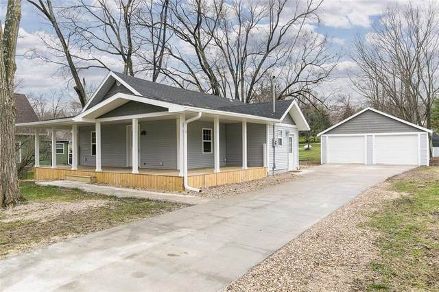 1236 2nd Street, Cedar Rapids, IA 52403 (MLS #2002566) :: The Graf Home Selling Team