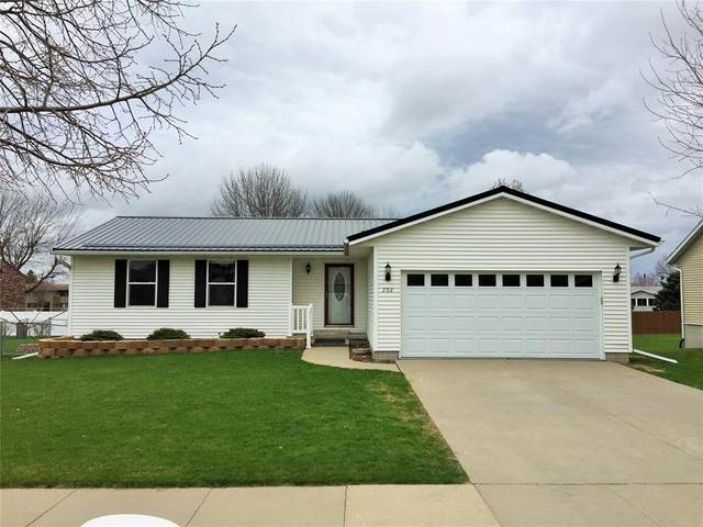 202 Q Avenue, Vinton, IA 52349 (MLS #2002655) :: The Graf Home Selling Team
