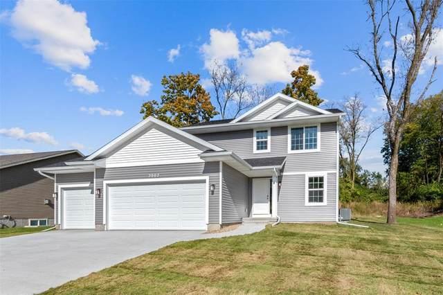 2036 Holly Meadow Avenue SW, Cedar Rapids, IA 52404 (MLS #2003391) :: The Graf Home Selling Team