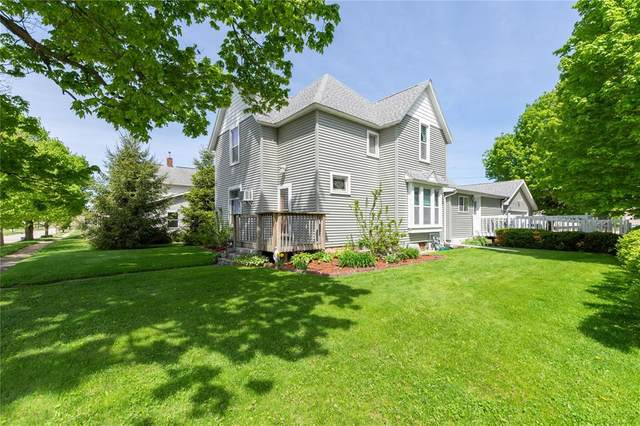 515 E 8th Street E, Vinton, IA 52349 (MLS #2003593) :: The Graf Home Selling Team