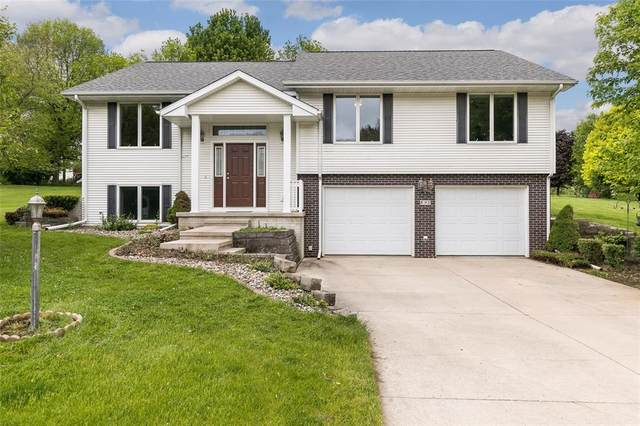 895 Maplewood Drive, Coralville, IA 52241 (MLS #2003764) :: The Graf Home Selling Team