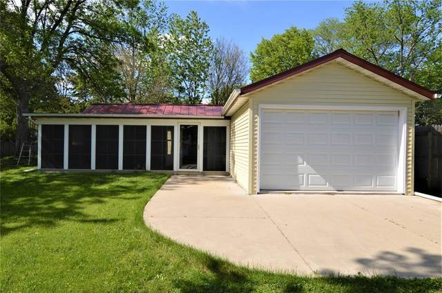 714 36th Street NE, Cedar Rapids, IA 52402 (MLS #2003803) :: The Graf Home Selling Team