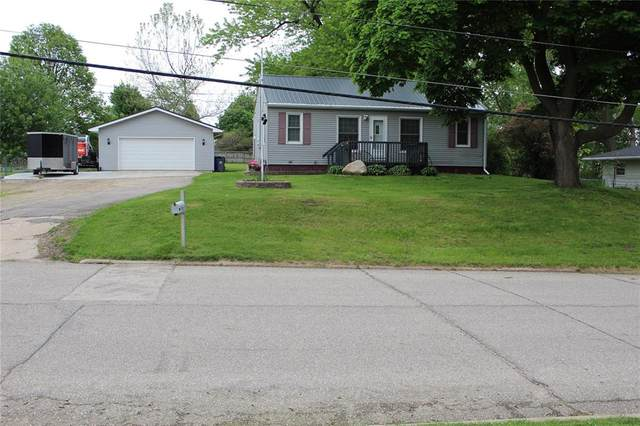 2937 Schaeffer Drive SW, Cedar Rapids, IA 52404 (MLS #2003813) :: The Graf Home Selling Team