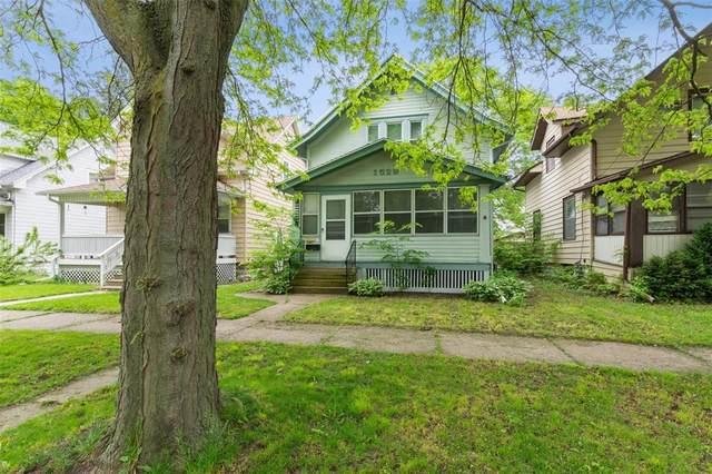 1529 D Avenue NE, Cedar Rapids, IA 52402 (MLS #2003821) :: The Graf Home Selling Team