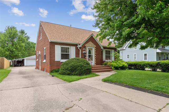 277 24th Avenue SW, Cedar Rapids, IA 52404 (MLS #2003830) :: The Graf Home Selling Team