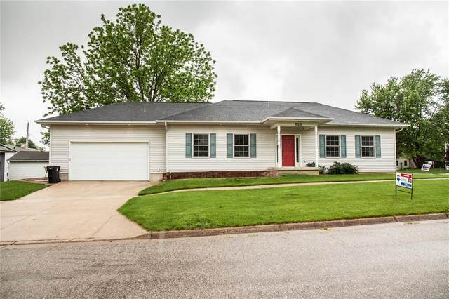 623 W 2nd Street, Tipton, IA 52772 (MLS #2003901) :: The Graf Home Selling Team
