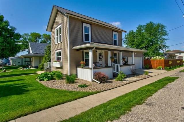 112 4th Street, Van Horne, IA 52346 (MLS #2003937) :: The Graf Home Selling Team