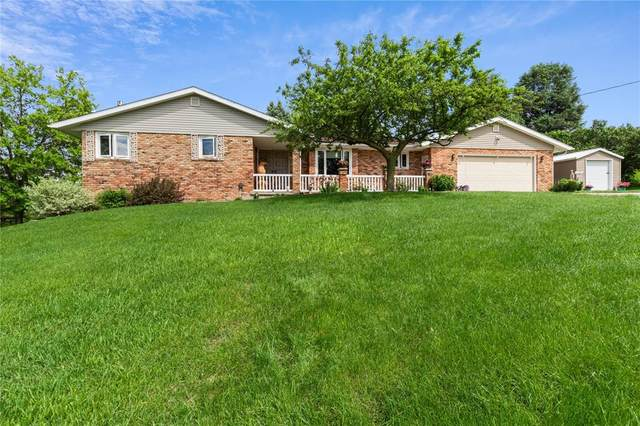 206 Riverview Drive, Vinton, IA 52349 (MLS #2003951) :: The Graf Home Selling Team