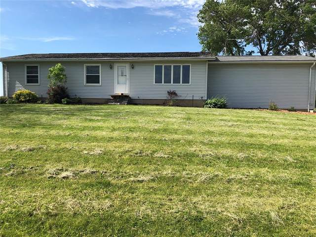 7571 50th Avenue, Wyoming, IA 52362 (MLS #2004002) :: The Graf Home Selling Team