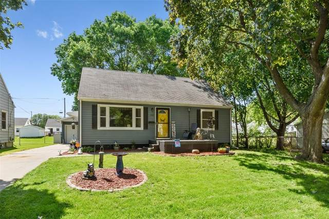 1514 10th Street NW, Cedar Rapids, IA 52405 (MLS #2004007) :: The Graf Home Selling Team