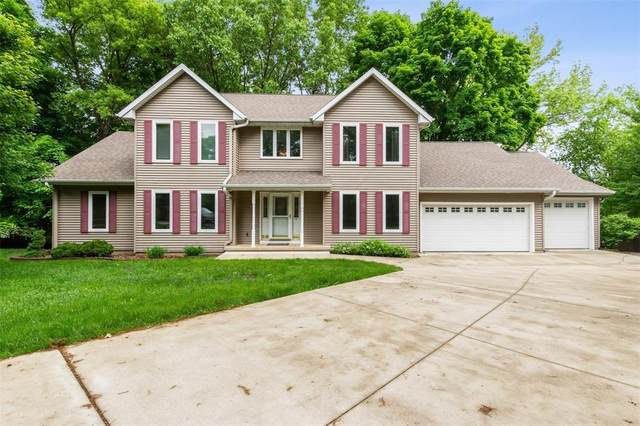 2930 Glass Road NE, Cedar Rapids, IA 52402 (MLS #2004008) :: The Graf Home Selling Team